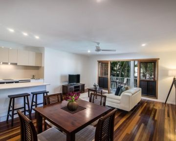 Couples-Noosa-Accommodation-1