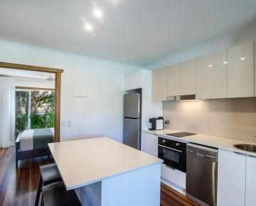 Couples-Noosa-Accommodation-2